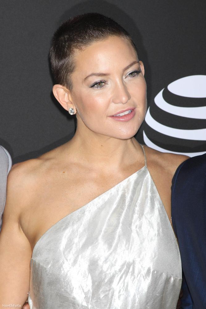 Igen, ő Kate Hudson, Goldie Hawn szintén színésznő lánya, aki idén nyáron extrarövidre vágatta a haját.