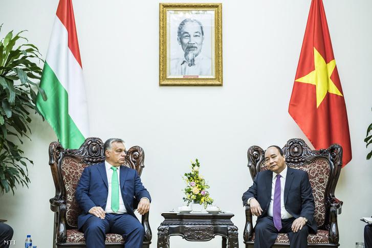 Orbán Viktor és Nguyen Xuan Phuc Hanoiban