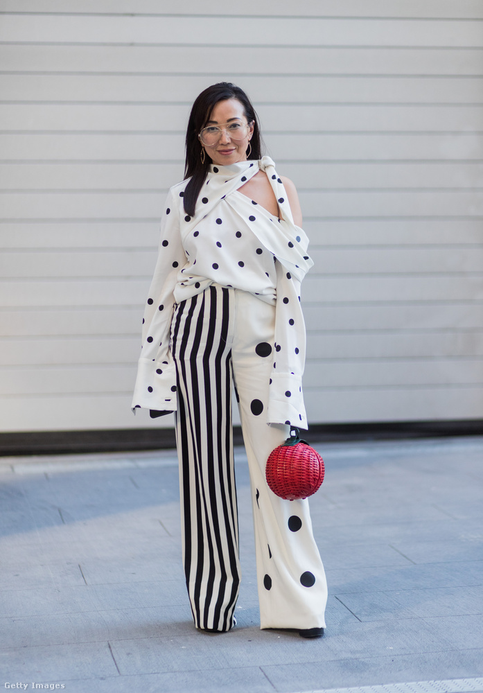 Ez a pöttyös blúz és felemás pantalló az egyik kedvencünk a New York-i divathétről.
