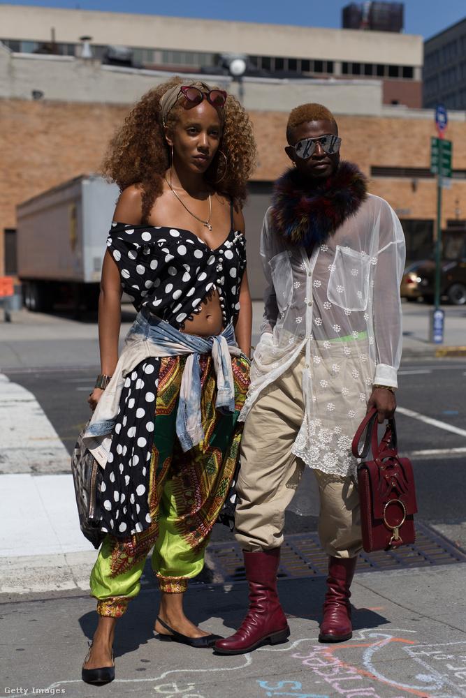 Talán a Balenciaga új kollekciója miatt találják újra divatosnak a pöttyöket.