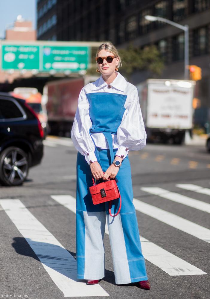 Vörösbor színű cipő, bő farmer és puffos ujjú blúz a belga divatbloggeren, Sofie Valkiersen New Yorkban.