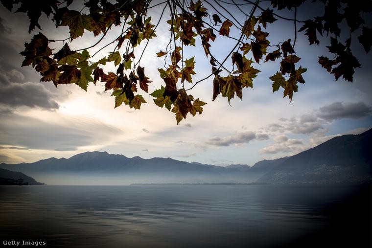 És még egy szép hely Svájcból: az Olaszországba átlógó Maggiore-tó