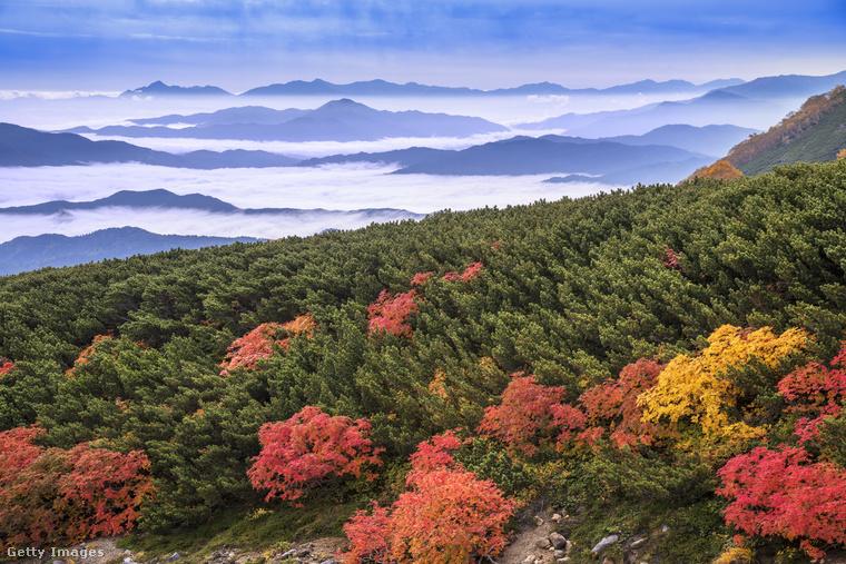 És még egy japán táj: a vulkanikus Norikura-hegy