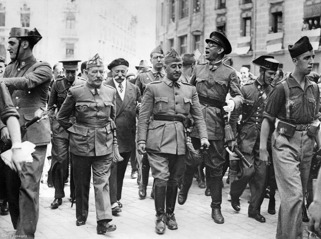 Franco tábornok, Spanyolország későbbi diktátora 1936 augusztus 19-én.