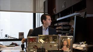 Donald Trump Jr. munkahelyi fotója több, kellemetlen kérdést is felvet