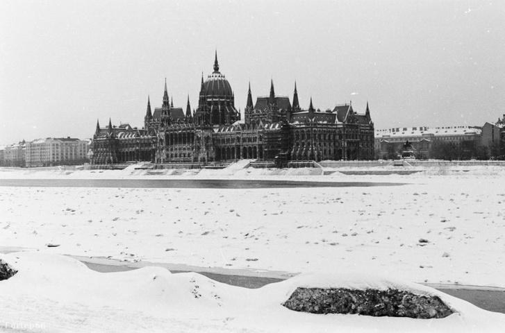A Parlament 1941 telén