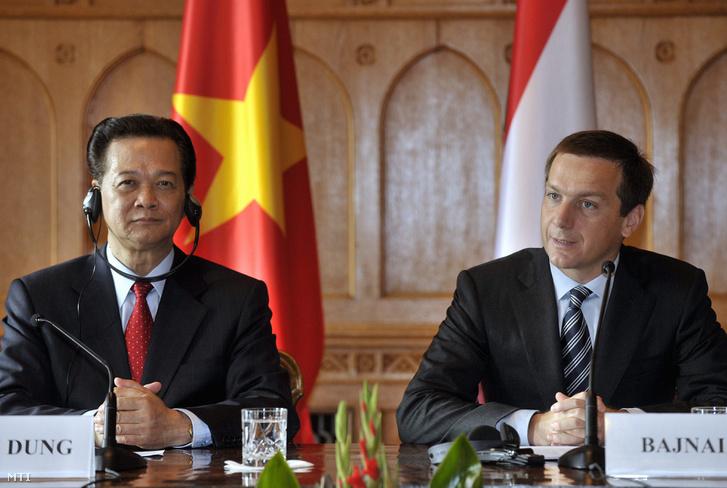 2009. szeptember 18. Bajnai Gordon miniszterelnök (j) és Nguyen Tan Dung vietnami miniszterelnök