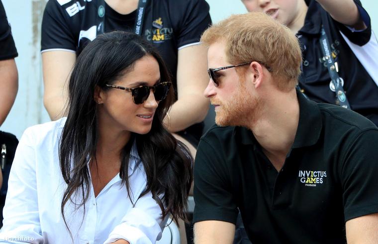 A királyi ház közeléből egyébként korábban már érkeztek olyan pletykák, hogy ez lesz az első alkalom, amin nyilvánosan, egy párként lesznek jelen.