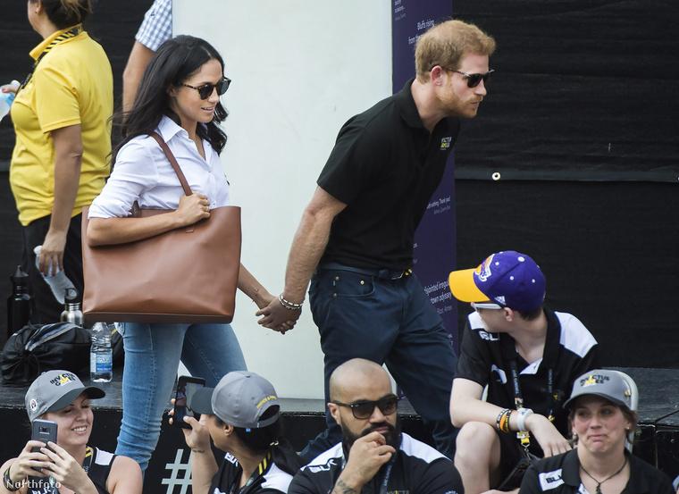 Több mint egy évet kellett várni, de végre eljött a pillanat, hogy Harry herceg és barátnője, Meghan Markle, együtt mutatkozzanak egy hivatalos eseményen.
