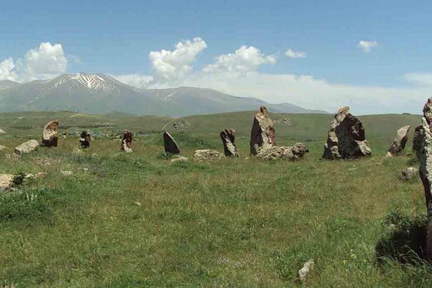 Noha az örmény Stonehenge-nek nevezik, a Karahunj kőkört mintegy 3500 évvel a Stonehenge előtt létesíthették.