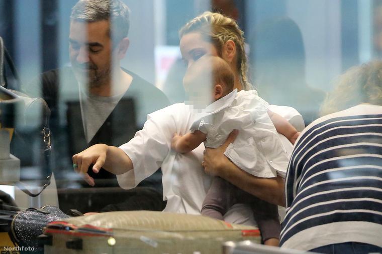 Most viszont már tudni, hogy Marion Cotillard és Guillaume Canet másodszülött gyerekét Louise Canet-nak hívják, és utazott már repülőn