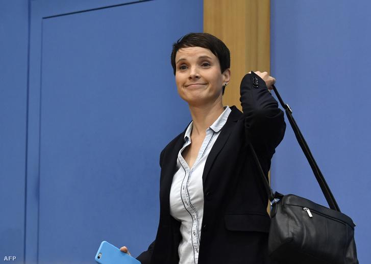 Frauke Petry távozik a hétfői sajtótájékoztatóról