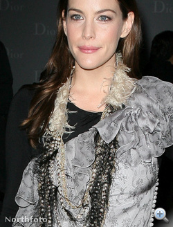 Liv Tyler december 8-án
