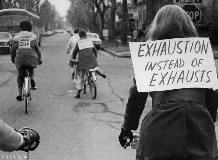 1970. április 22. A Föld Napján a légszennyezésre hívták fel a figyelmet és népszerűsítették a bringázást Denverben