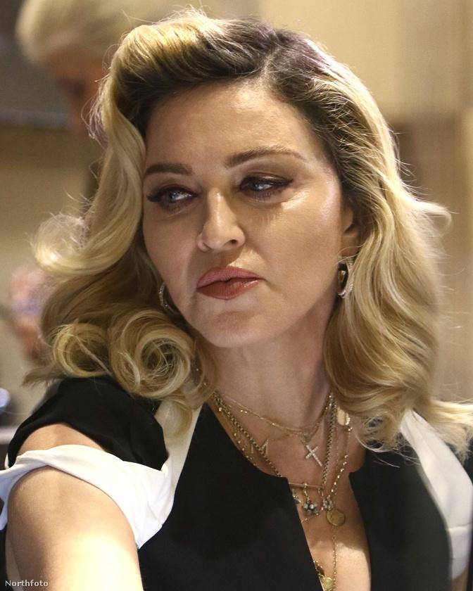 Madonna mindenesetre alaposan elmondta az egybegyűlteknek, hogy olyan szépek lesznek, mint tán sose még.Ezt a hajszínt még ombrénak hívják, vagy már lenövésnek?