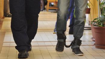 Embercsempészettel vádolják a 23 éves taksonyi kapust