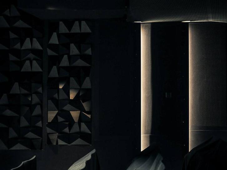 Akusztikus hangterelők az Örkény Színház új nézőterén