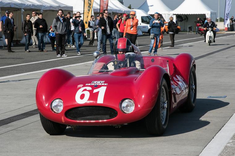 Ez a Maserati az apró csövecskékből összehegesztett vázról kapta a Birdcage becenevet