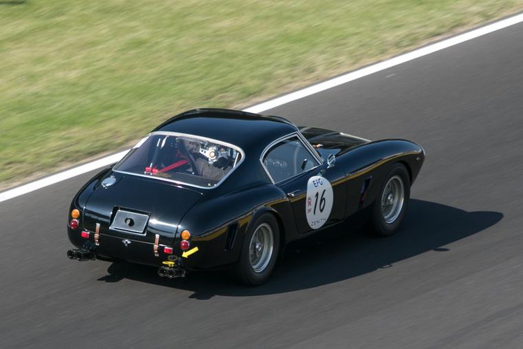 Négy kipufogóvéggel üvölt a világba a Ferrari 250 GT SWB