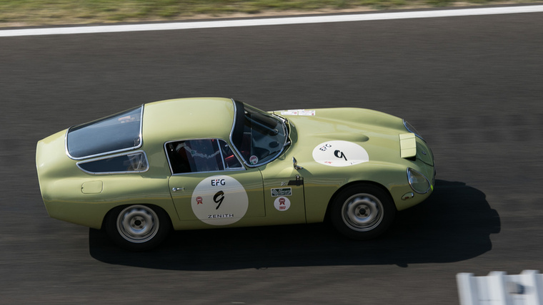 A célegyenesben hasít az Alfa Giulia TZ