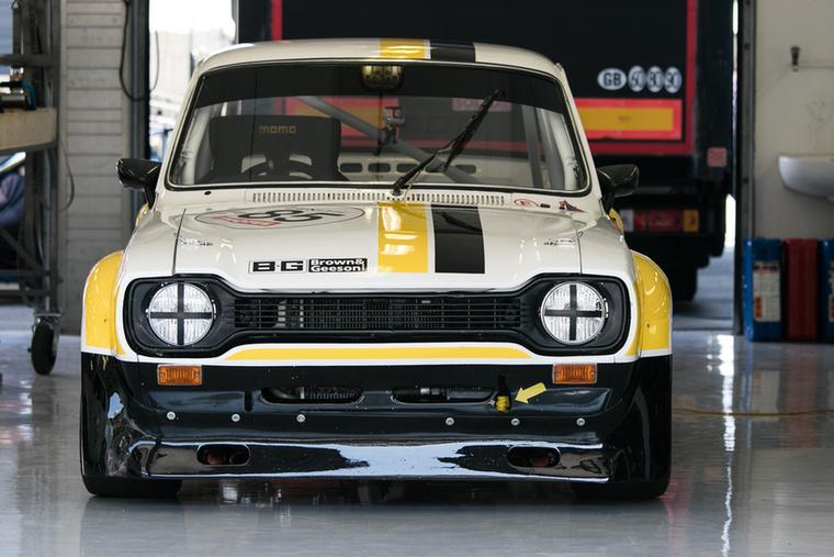 Nemcsak kettes Escortok vannak ám, itt egy szép Mk1-es 1600 RS