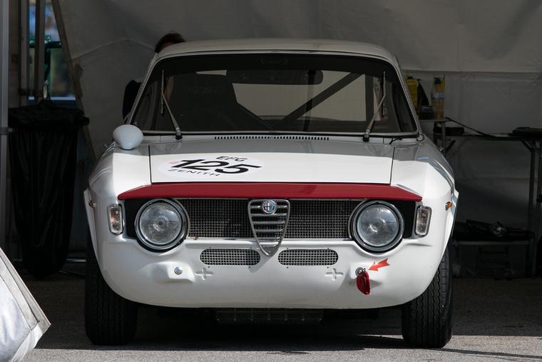 Elsőre már-már bamba, de mennyire adja az Alfa Romeo 1600 GTA
