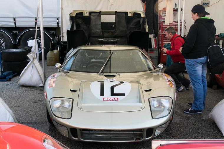 A Ring most egy olyan hely, ahol a Ford GT40 szinte észrevétlen tud maradni