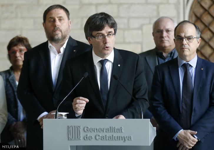 Carles Puigdemont katalán elnök (k)