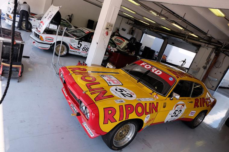 Igazán korhű színekben a Capri 2600 RS