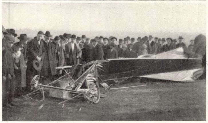 Kolbányi gépe a szerencsétlenség után - Vasárnapi Ujság 1912 október 20
