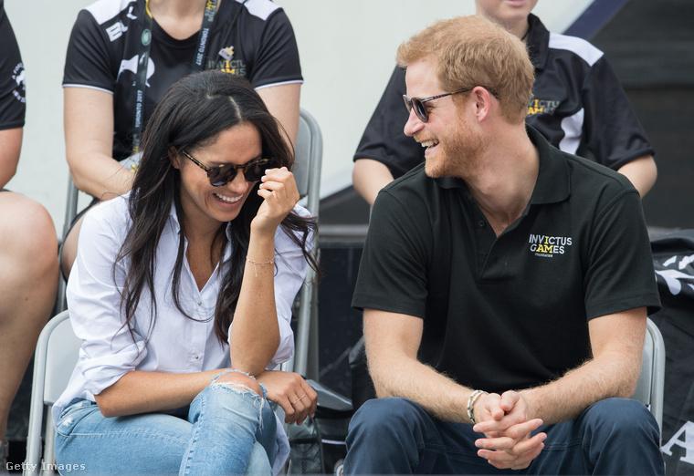 A közös nevetgéléseikből ítélve Harry herceg tényleg egy szórakoztató figura lehet,igen, ez, és a következő felvétel néhány napos felvétel,