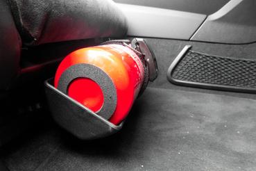 159 euró a tűzoltókészülék, bár szerintem felesleges, attól egy percig sem félnék, hogy az autó önhibájából kigyullad