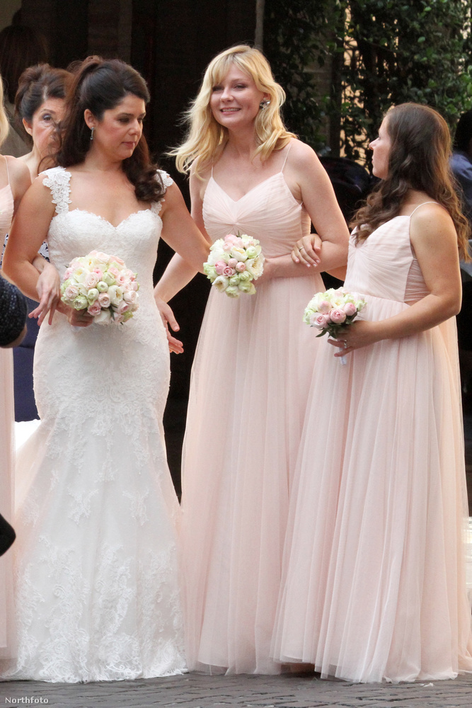Kirsten Dunst a legjobb barátnője, Cindy McGee esküvőjén járt a hétvégén, Rómában.