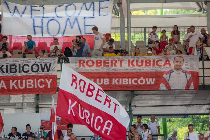 Lengyel drukkerek a Hungaroringen az augusztusi Kubica-teszten
