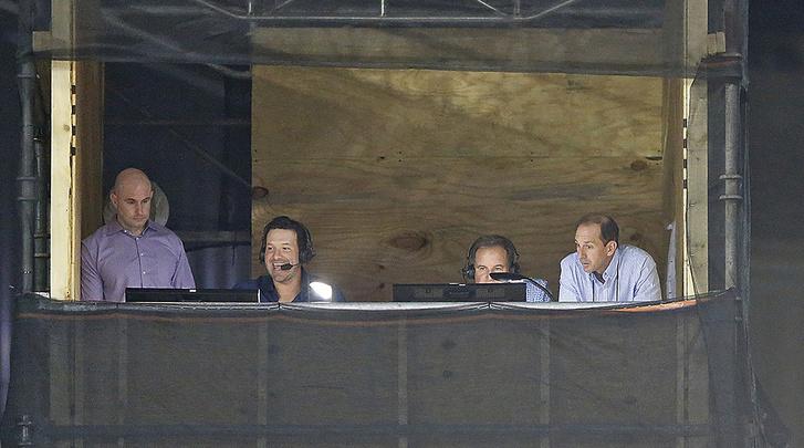 Romo és Nantz munkában