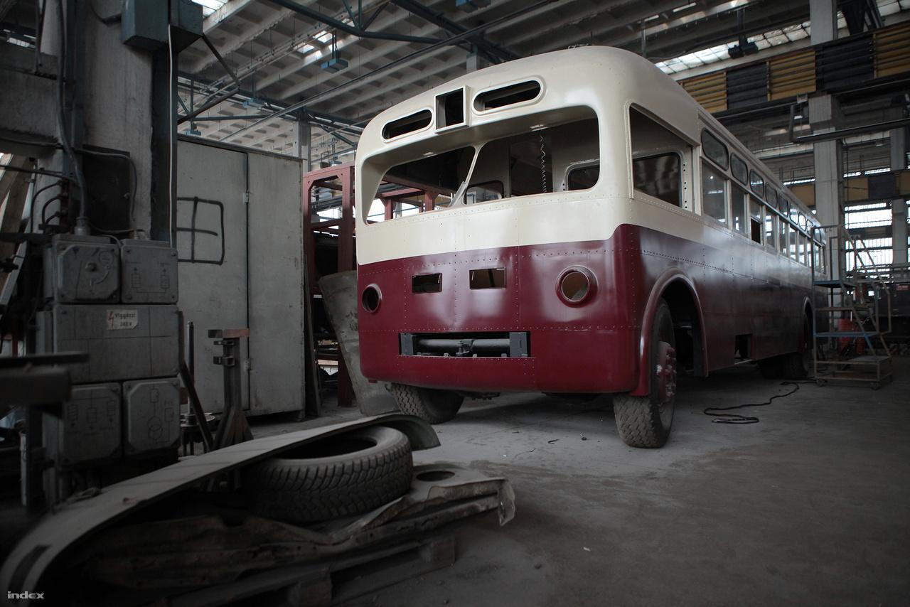 Nem bonyolították túl a formatervezést a Tusinói Gépgyárban.