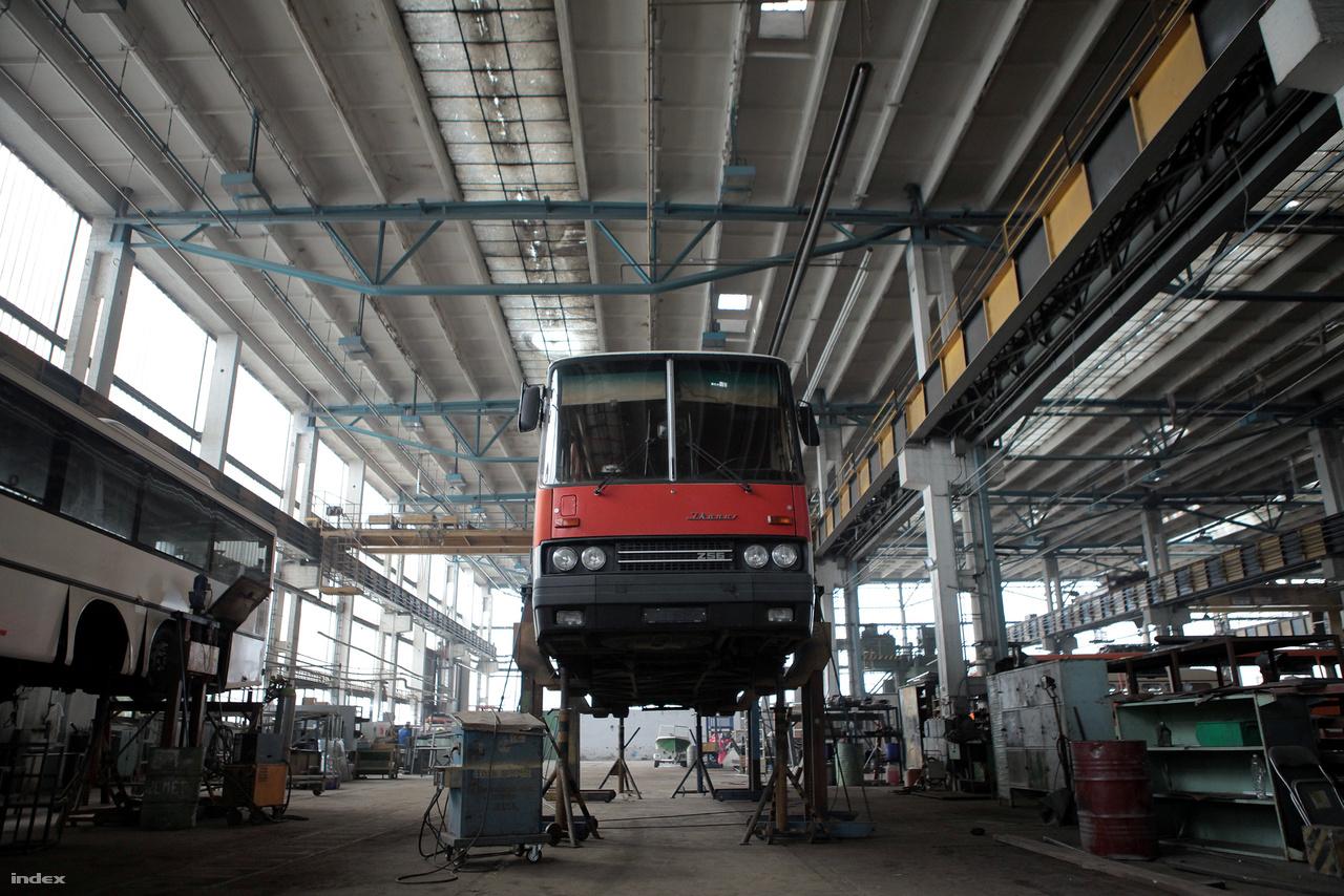 Az Ikarus 256-os távolsági buszból több mint 23 000 db készült annak idején.