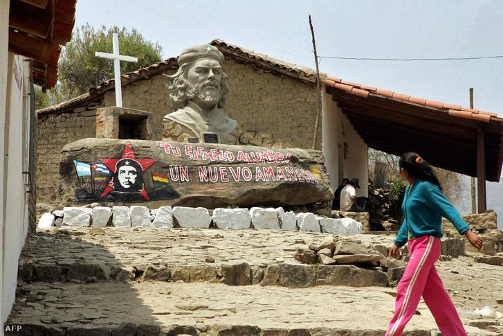 A bolíviai Quebrada del Churo emlékmű La Higuera faluba