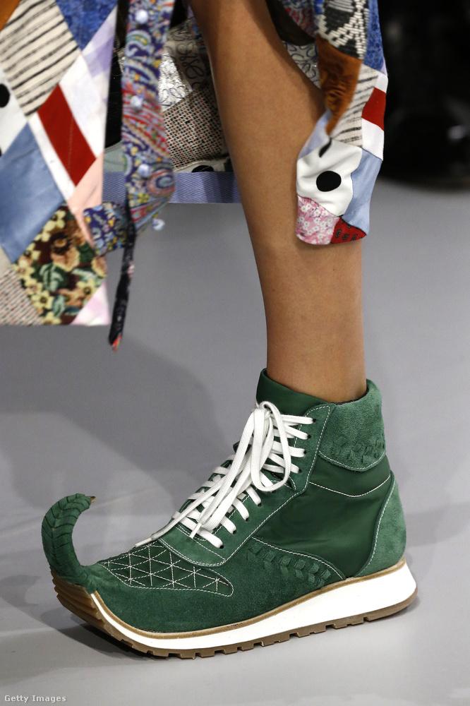 Udvari bolond tornacipő a Loewe -től.