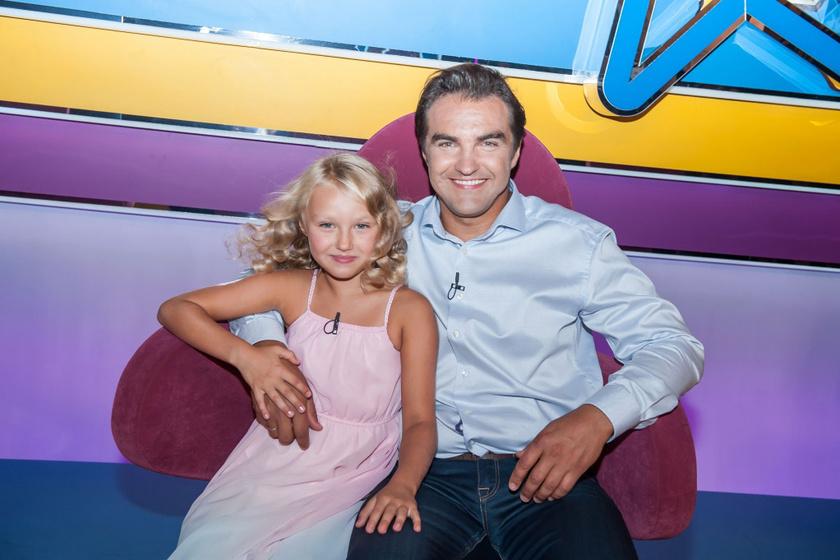 Dolhai Attila nyolcéves kislánya, Anna csupaszív kislány, nem csoda, ha az egész család imádja.