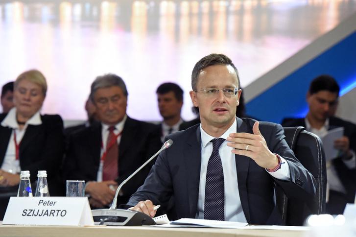Szijjártó Péter külgazdasági és külügyminiszter felszólal az orosz energetikai hét fórumán Moszkvában 2017. október 4-én
