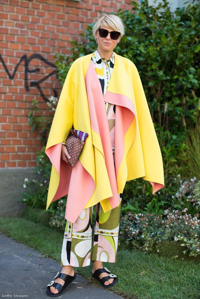 Rózsaszín-sárga pelerin Milánóból.
