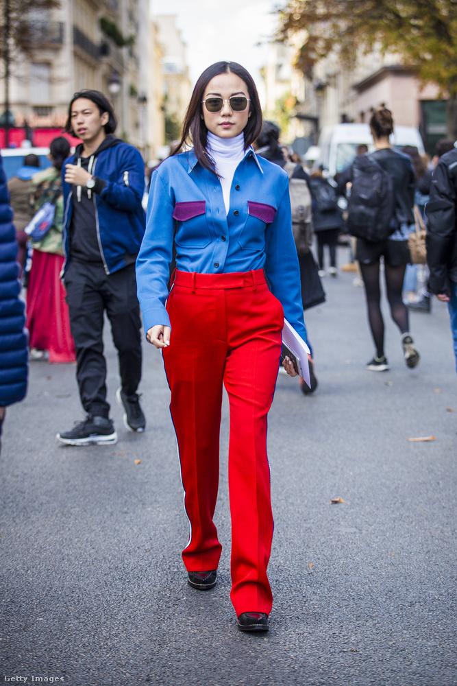 Nem ciki kékkel viselni a pirosat.