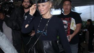 Pamela Anderson vegán bőrbe bújtatta magát és milyen jól tette!