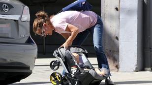 Ebben a helyes, kétgyerekes anyában talán fel sem ismerné Natalie Portmant
