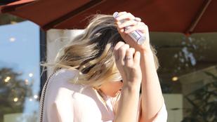 Mi az ott Jennifer Lawrence ujján? Egy eljegyzési gyűrű?