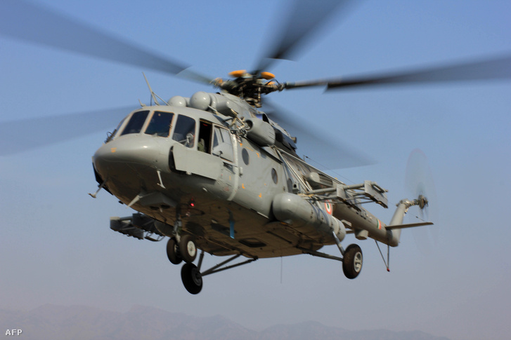 Az indiai hadsereg egyik Mi-17 V5 szállítóhelikoptere
