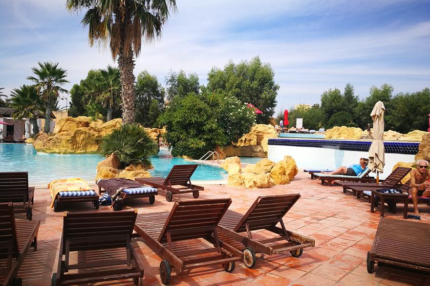 tunezia-szalloda-medence2