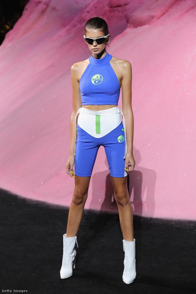 Sportos szerkóban a FENTY PUMA by Rihanna bemutatón New Yorkban.