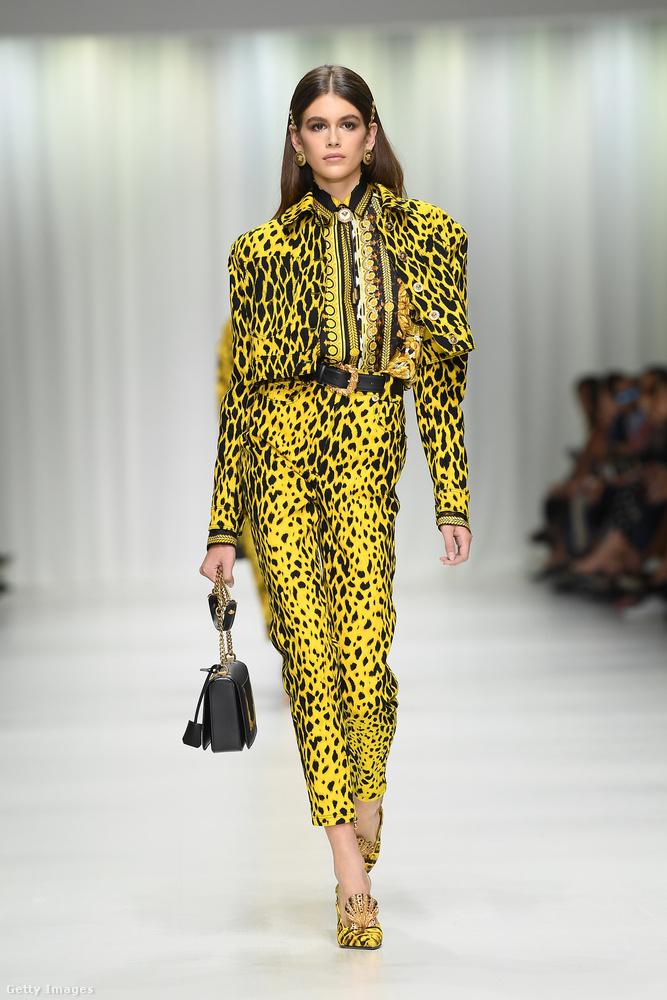 Természetesen ott volt az idei divathét egyik legemlékezetesebb bemutatóján, a milánói Versace shown is.